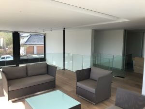 frameless glass window